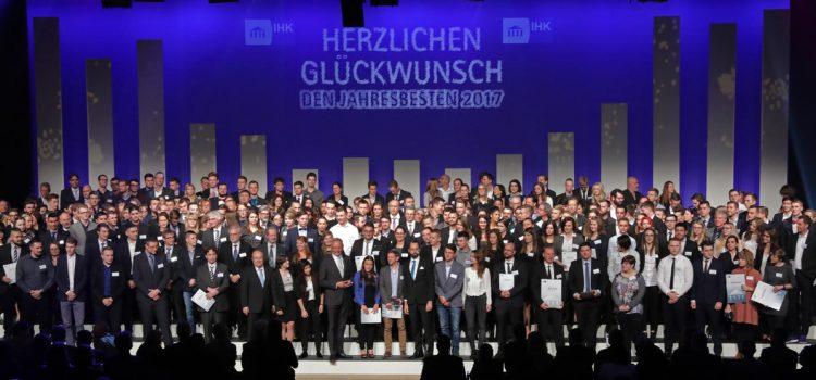 Viele Absolventen der HHS erhalten Auszeichnung