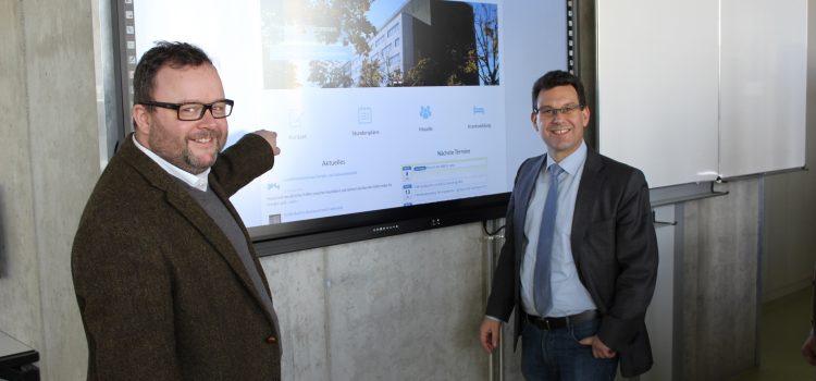 Bundestagsabgeordneter Dr. Christian Jung besucht HHS