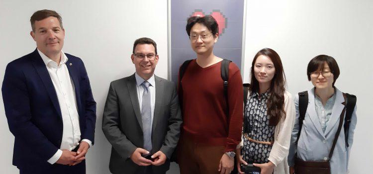 Weltweit gut vernetzt – Südkoreanisches Fernsehen dreht an der HHS